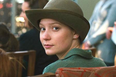 Mia Wasikowska sera Madame Bovary